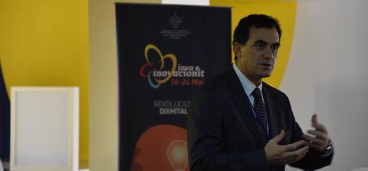 """Rektori i UBT-së, prof.dr. Edmond Hajrizi, përshëndet edhe aktivitetin """"Hack Day Albania 2016"""""""